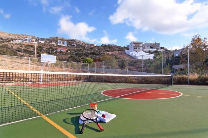 40-tennis-court-1b-1350x900